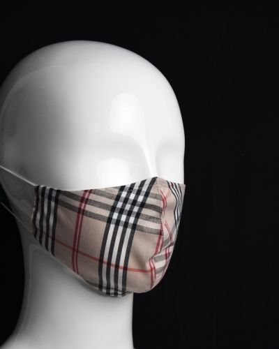Csíkos maszk